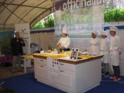 Cucina Monocromatica Officinalia